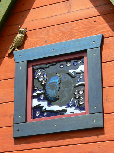 Wizard_house_window_moon_closeup_2